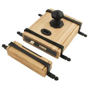 From The Anvil Oak Box Lock & Octagonal Knob Set - Black