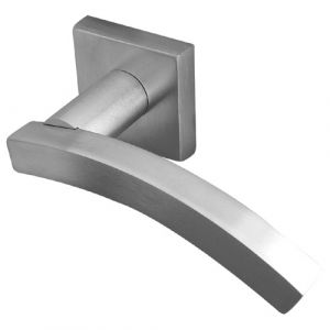 Kubus Curved Door Handle Lever On Rose - Satin Chrome