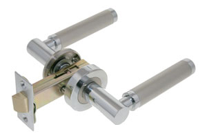 Lever on rose door handle with tubular latch